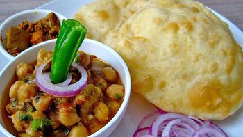 Home img 1485842787 5 best places to have chole bhature in delhi
