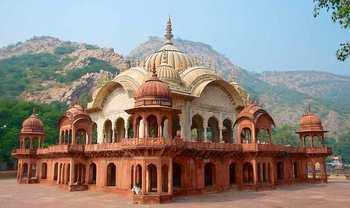 Home img alwar city palace