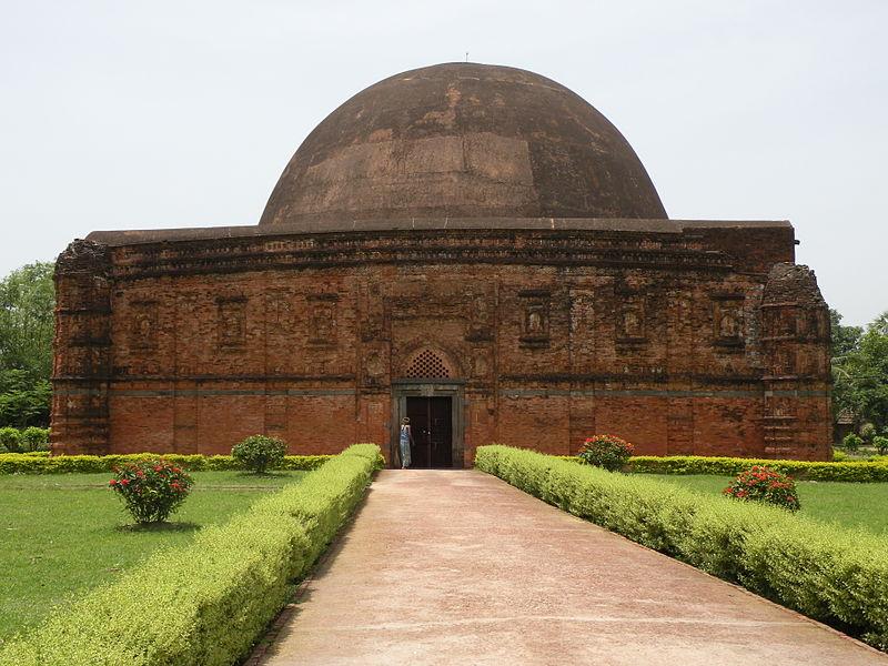 800px eklakhi mausoleum