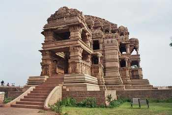 Home img sas bahu temple